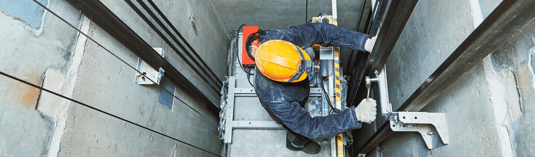 Evitar problemas com a manutenção de elevadores